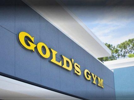 Outside view of Gold's Gym Daytona